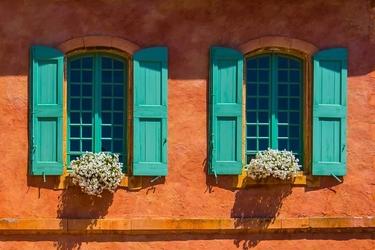 Turkusowe okiennice - plakat premium wymiar do wyboru: 91,5x61 cm