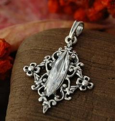 Vincana - srebrny wisiorek z kryształem swarovskiego