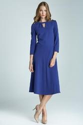 Niebieska elegancka sukienka midi z wycięciem przy dekolcie