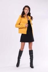 Kamelowa przejściowa krótka kurtka z dużymi kieszeniami