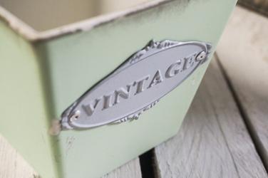 Plastikowa osłonka na doniczkę vintage kwadratowa 13 x 13 cm