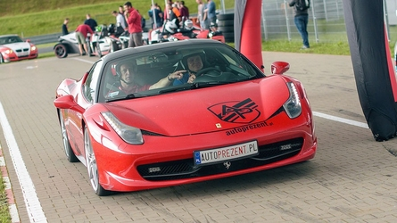 Jazda ferrari f458 italia - kierowca - cała polska - 4 okrążenia
