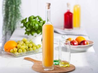 Butelka  karafka do nalewki, na oliwę i ocet hrastnik gordon 500 ml kwadratowa z korkiem