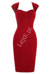 Elegancka sukienka czerwona z zakładkami na biuście