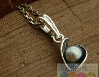 Festa 2 - srebrny wisiorek z perłami
