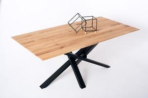 Nowoczesny dębowy stół embiid na metalowych nogach  180x90 cm