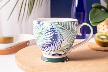 Duża filiżanka do kawy i herbaty porcelanowa na stopce jumbo altom design botanical 350 ml