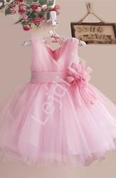 Delikatna szyfonowa sukienka dla dziewczynki w kolorze różowym