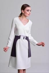 Kremowa sukienka pema z dekoldem w kształnie litery v