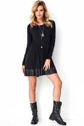 Czarna dzianinowa sukienka z zakładkami