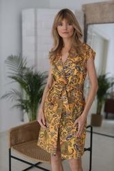 Kamelowa sukienka szmizjerka z paskiem