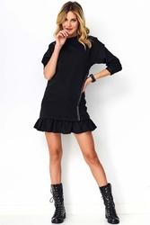 Czarna casualowa sukienka ze skórzaną wypustką