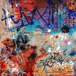 Board z aluminiowym obramowaniem brudne tło ściany graffiti