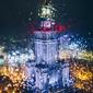 Warszawa pałac kultury i nauki przez jesienne krople - plakat premium wymiar do wyboru: 90x120 cm