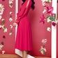 Malinowa kopertowa sukienka z rozciętymi rękawami