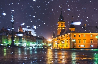 Warszawa plac zamkowy w śniegu - plakat premium wymiar do wyboru: 91,5x61 cm