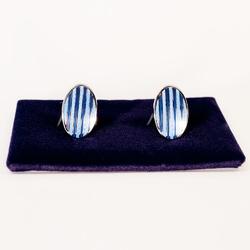 Eleganckie spinki do mankietów owalne w niebiesko błękitne paski