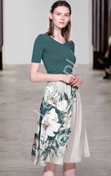 Dwuczęściowy komplet damski satynowa spódnica z nadrukami i sweterek 0564