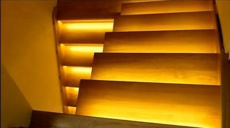 6 schodów - zestaw do oświetlenia schodów szerokość oświetlenia 45 cm
