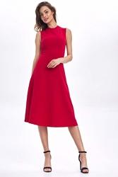 Czerwona rozkloszowana sukienka bez rękawów
