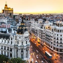 Fototapeta panoramiczny widok na gran via, madryt, hiszpania.