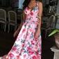 Długa suknia z odkrytymi plecami, jasnoróżowe róże  - megi emo