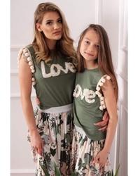 Zielona koszulka z pomponikami dla mamy