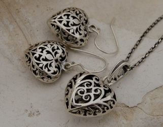 Ażurowe serduszka - srebrny komplet