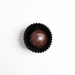 Mini bombonierka. praliny cappuccino - elegancki podarunek, 4 aksamitne parlinki na bazie rzemieślniczej czekolady, czekolada mleczna z kawą, 100 naturalne składniki