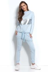 Błękitne dresowe spodnie ze ściągaczem na dole