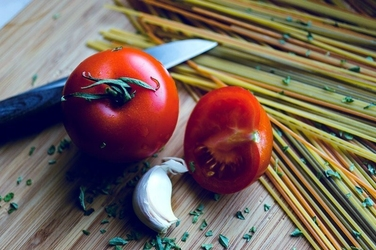 Fototapeta na ścianę makaron, pomidory i bazylia fp 874
