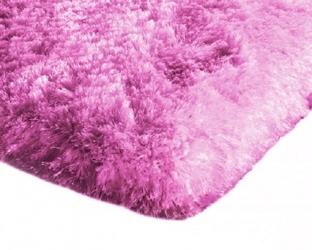 Mięciutki wysoki dywan pluszowy 140x200 różowy neon