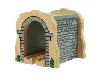 Drewniany kamienny tunel