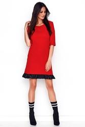 Czerwona prosta sukienka dzianinowa z falbanką z eko-skóry
