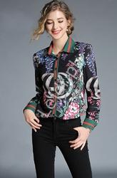 Modna koszula damska w kwiaty z stylowym wzorem