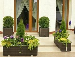 Donica ogrodowa patio z technorattanu z listwą dekoracyjną 46x46x46 cm