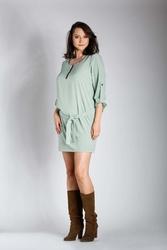 Zielona nowoczesna sukienka z zamkiem przy dekolcie plus size