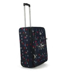 Średniej wielkości walizka podróżna na kółkach