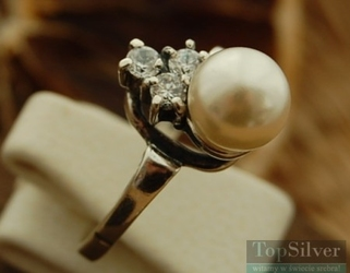 Vetere - srebrny pierścionek perła i cyrkonie