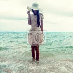 Obraz moda portret dziewczyny na morzu