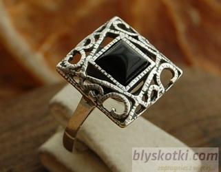 Gelsa - srebrny pierścionek z onyksem
