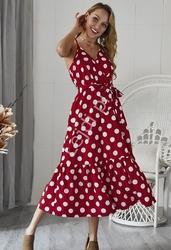 Czerwona kopertowa sukienka w kropki z falbaną