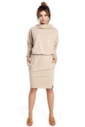 Beżowa sukienka z szerokim półgolfem