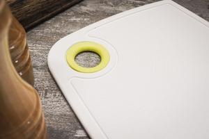 Practic deska do krojenia antypoślizgowa 24 x 16 cm biała