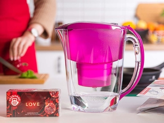 Dzbanek filtrujący wodę z wkładem magnezowym b100-25 + gratis herbata teekanne love aquaphor jasper fuksja 2,8 l