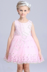 Jansoróżowa sukienka z haftowanymi kwiatami dla dziewczynek