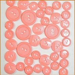 Kolorowe guziki 3 wielkości40 szt. - różowy - RÓŻ