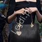 Czarna torebka z serduszkiem ażurowym w zestawie z kopertówką i saszetką