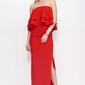 Czerwona sukienka maxi z falbanami