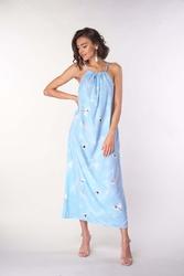 Długa letnia sukienka na wiązanych ramiączkach - błękitna